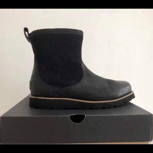 UGG Men's Hendren Boot, size 8